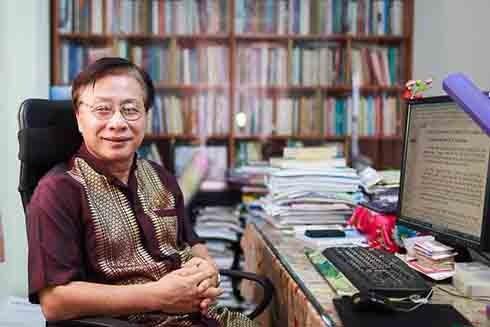 GS.TSKH. Trần Ngọc Thêm là Chủ tịch Hội đồng Chức danh Giáo sư ngành Ngôn ngữ học (Ảnh: Zing)
