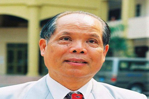 PGS.TS Bùi Hiền là một nhà giáo có gần 30 năm công tác giảng dạy Tiếng Nga - người đưa ra đề xuất cải tiếng tiếng Việt (Ảnh: Dân trí)
