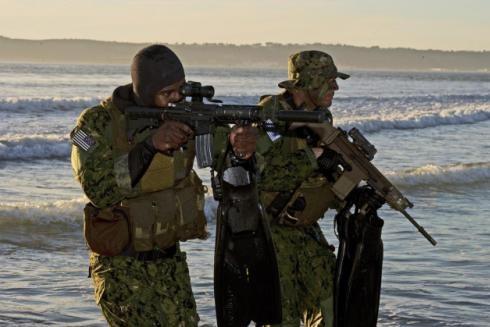 Hoạt động của biệt kích SEAL trên thực địa
