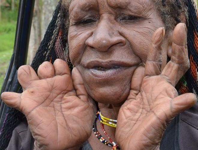 [ẢNH] Giật mình trước những phong tục kỳ lạ của các bộ tộc trên thế giới (phần 2) ảnh 4