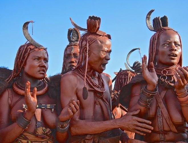 [ẢNH] Giật mình trước những phong tục kỳ lạ của các bộ tộc trên thế giới (phần 2) ảnh 9