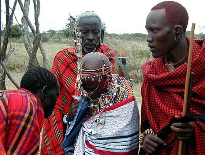 [ẢNH] Giật mình trước những phong tục kỳ lạ của các bộ tộc trên thế giới (phần 2) ảnh 18