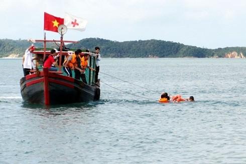 Hoạt động cứu hộ trên biển khi có tàu gặp nạn