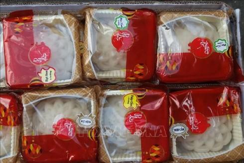 """Lô bánh Trung thu """"4 không"""" tại Quận 8, thành phố Hồ Chí Minh (Ảnh: TTXVN)"""