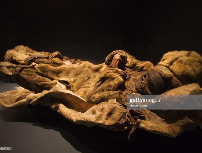Ám ảnh ánh mắt của xác ướp bé trai 6 tháng tuổi bị chôn sống theo mẹ ảnh 11