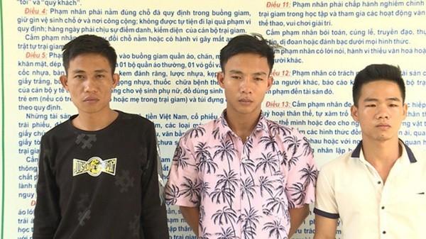 Ba nghi phạm tại cơ quan công an