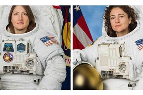 Hai phi hành gia Christina Koch (trái) và Jessica Meir