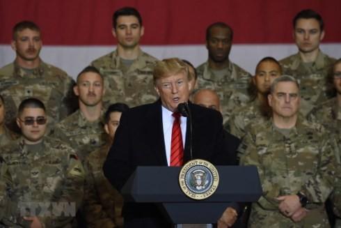 Tổng thống Mỹ Donald Trump phát biểu trước các binh sỹ tại căn cứ Bagram ở Afghanistan nhân dịp lễ Tạ ơn ngày 28-11