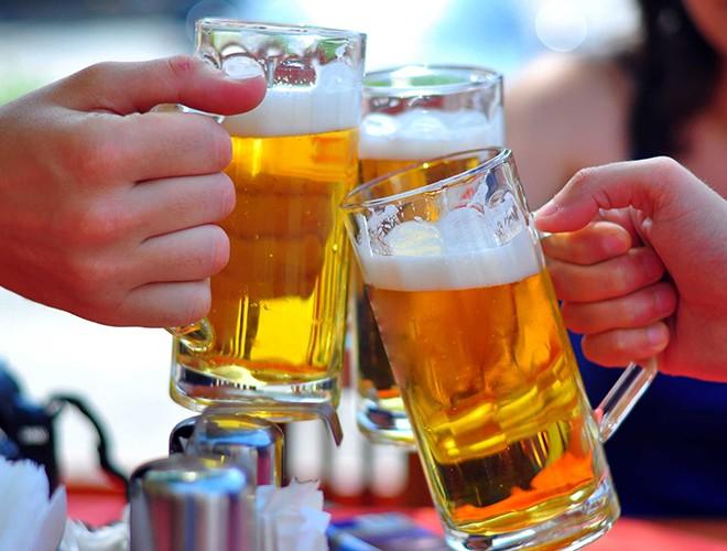 [ẢNH] Uống rượu, bia quá đà là tự gây hại cho sức khỏe ảnh 1