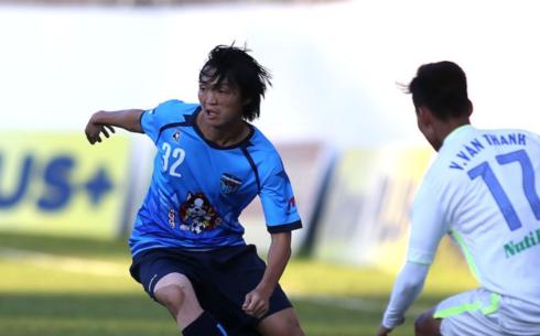 """Những chấn thương """"hành hạ"""" đã khiến Tuấn Anh không thể cạnh tranh suất đá chính tại Yokohama FC"""