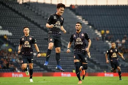 Bàn thắng duy nhất mà Xuân Trường ghi được trong màu áo Buriram United đã được bầu chọn là bàn thắng đẹp nhất Thai League mùa giải 2019