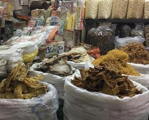 Người tiêu dùng có thể mua sớm một số mặt hàng đồ khô để phòng trừ tăng giá trong dịp Tết Nguyên đán sắp tới