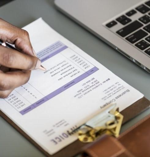Lập kế hoạch chi tiêu rõ ràng không chỉ giúp bạn tiết kiệm được tiền bạc mà còn rút ngắn thời gian đi mua sắm Tết