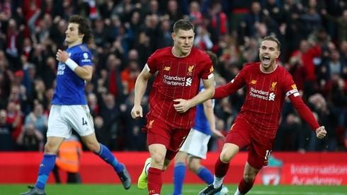"""Phải nhờ đến bàn thắng đến từ chấm phạt đền ở những phút bù giờ của James Milner, Liverpool mới có trọn vẹn 3 điểm trước """"bầy cáo"""" trong trận lượt đi"""