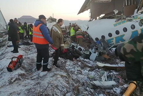 Hiện trường vụ máy bay của hãng hàng không Bek Air rơi