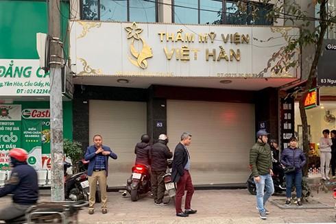 Thẩm mỹ viện Việt Hàn đóng cửa sau khi xe cứu thương dời đi