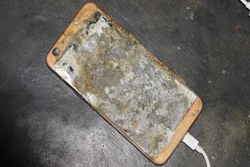 Ngày 29/9, một chiếc điện thoại Trung Quốc phát nổ khiến thanh niên người Quảng Ngãi tử vong