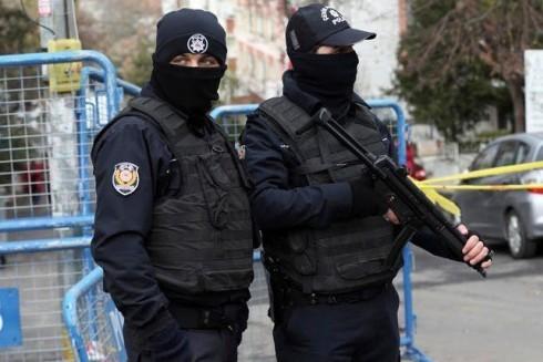 Cảnh sát chống khủng bố Thổ Nhĩ Kỳ trong 1 cuộc vây bắt nghi phạm khủng bố