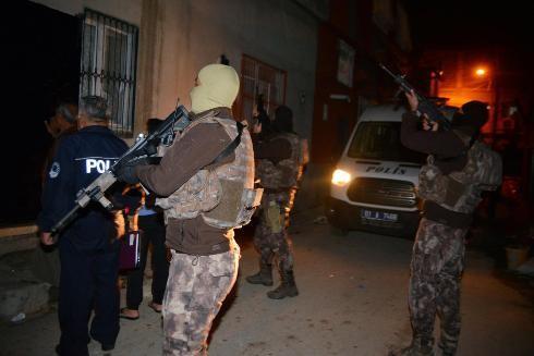 Cảnh sát Thổ Nhĩ Kỳ vây bắt các đối tượng tình nghi là phần tử IS tại tỉnh Adana