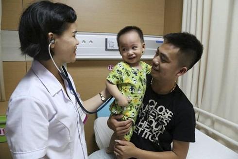 Bệnh nhi bị viêm phổi nặng do nhiễm virus Adeno
