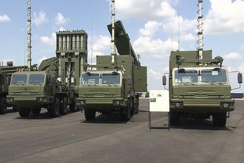 Hệ thống S-350 trong lễ biên chế tại tỉnh Astrakhan tháng trước. Ảnh: NTV