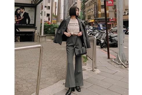 Quần ống rộng, bộ suit, chân váy hay kết hợp với áo len rất phù hợp diện quần áo Tết 2020