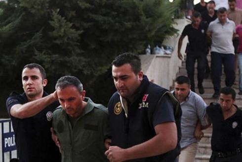 Các nghi phạm đảo chính Thổ Nhĩ Kỳ bị bắt hồi năm 2016