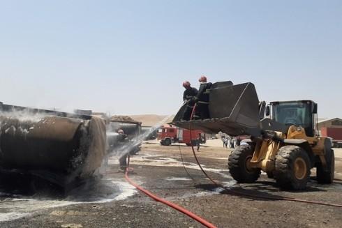 Hơn 100 lính cứu hỏa đã được huy động đến hiện trường để dập tắt đám cháy