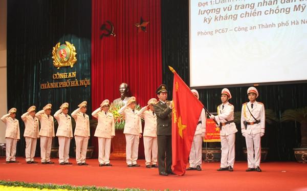 """Phòng CSGT - CATP Hà Nội vinh dự được Nhà nước trao tặng Danh hiệu """"Anh hùng lực lượng vũ trang nhân dân thời kỳ kháng chiến chống Mỹ"""""""