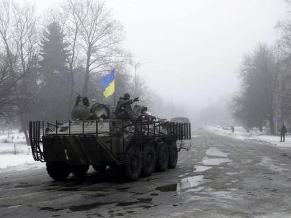 Căng thẳng Ukraine leo thang, EU tiếp tục gây sức ép với Nga ảnh 1