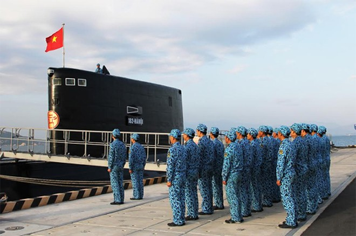 Hình ảnh tàu ngầm Kilo Việt Nam chào Xuân Ất Mùi ảnh 2