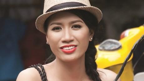 Di lý, tạm giữ hình sự cựu người mẫu Trang Trần ảnh 1