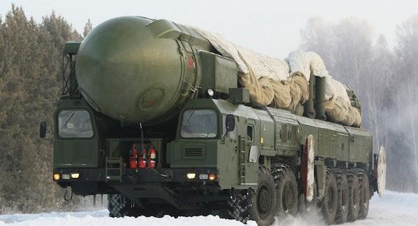 Tên lửa đạn đạo liên lục địa có khả năng mang đầu đạn hạt nhân Topol
