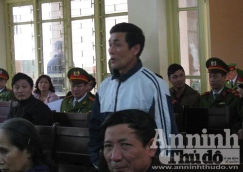Ớn lạnh nghe lời khai của hung thủ Lý Nguyễn Chung tại tòa ảnh 2