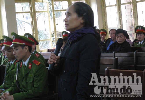 Ớn lạnh nghe lời khai của hung thủ Lý Nguyễn Chung tại tòa ảnh 3