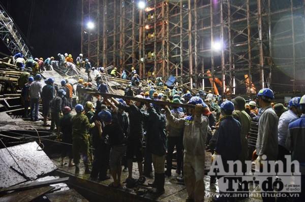 Công tác cứu hộ được tiến hành khẩn trương trong suốt đêm 25-3 đến nay