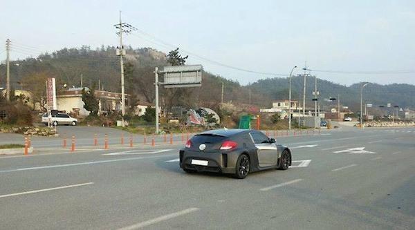 Hyundai Veloster thế hệ mới lộ ảnh chạy thử tại Hàn Quốc ảnh 2