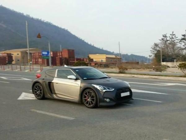 Hyundai Veloster thế hệ mới lộ ảnh chạy thử tại Hàn Quốc