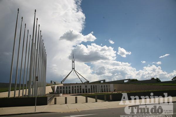 Bảy ngày vòng quanh Australia (7): Ngỡ ngàng lạc vào vườn cổ tích ở Canberra ảnh 4