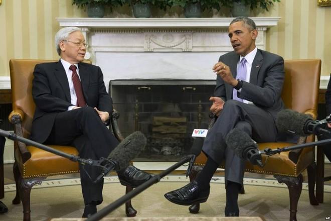Cái bắt tay lịch sử giữa Tổng thống Obama và Tổng bí thư Nguyễn Phú Trọng ảnh 5