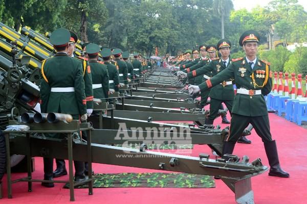 Cận cảnh diễn tập nghi thức bắn 21 phát đại bác chào mừng 70 năm Quốc khánh ảnh 5