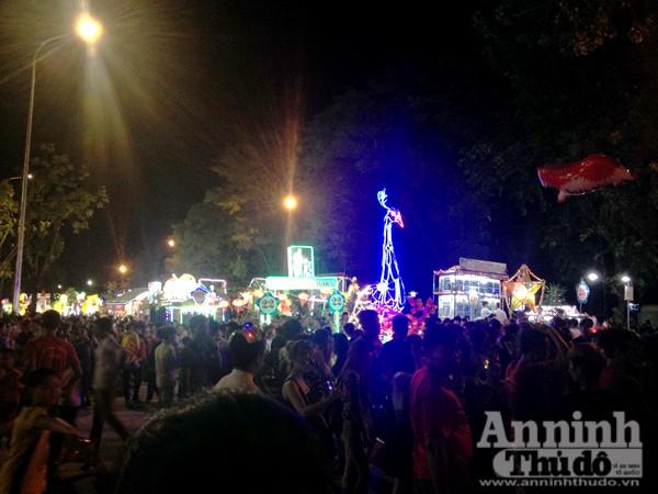 Ấn tượng đặc sắc lễ hội Trung thu Tuyên Quang 2015 ảnh 12