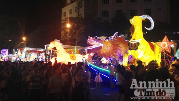 Ấn tượng đặc sắc lễ hội Trung thu Tuyên Quang 2015 ảnh 10