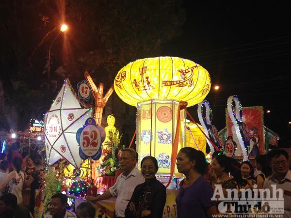 Ấn tượng đặc sắc lễ hội Trung thu Tuyên Quang 2015 ảnh 6