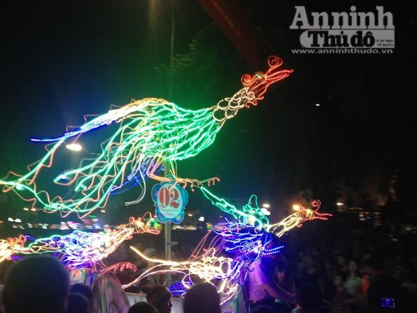 Ấn tượng đặc sắc lễ hội Trung thu Tuyên Quang 2015 ảnh 4