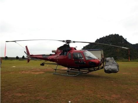 Thời tiết xấu nên máy bay chưa thể cất cánh quay cảnh trên không vùng núi Chà Nòi và Tân Hóa