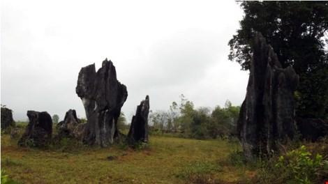 Một góc bãi đá cổ nguyên sơ sau khi quay cảnh trong bộ phim bom tấn