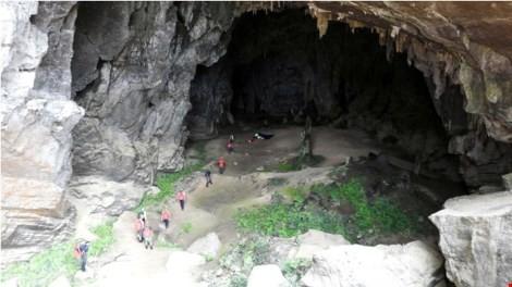 Hang Chuột - một trong những cảnh quay ở Tân Hóa