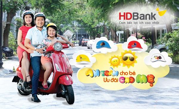 HDBank tặng mũ bảo hiểm xinh xắn cho bé yêu