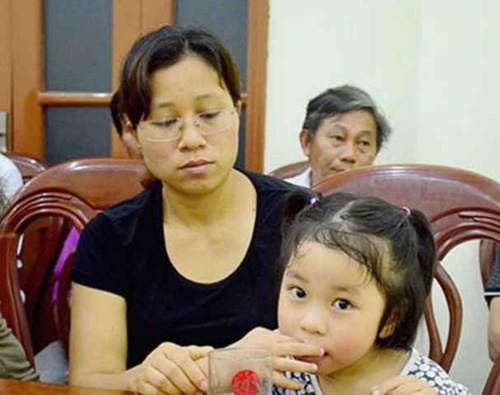 Vợ và con gái Đại tá Trần Quang Khải. Ảnh: Báo Nghệ An